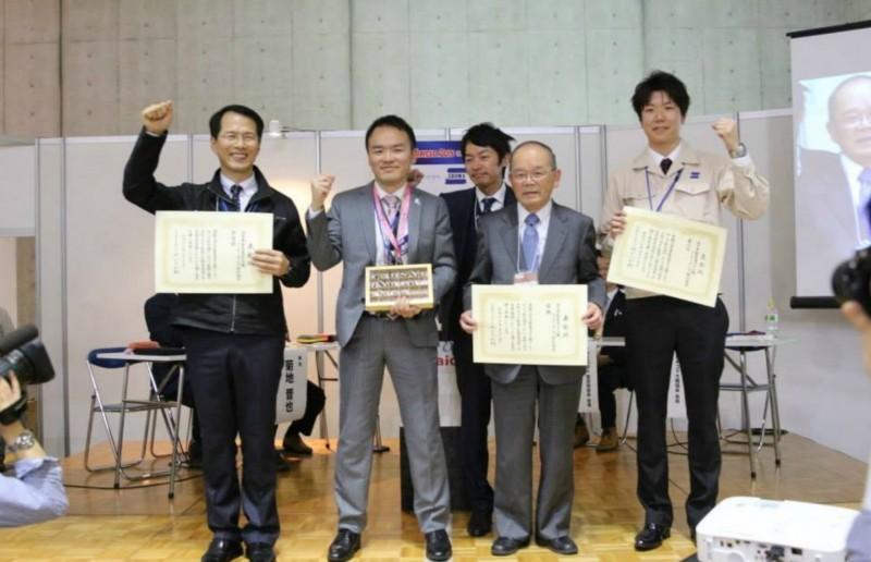 東京ビックサイトで行われた全日本製造業コマ大戦特別場所にて久野金属工業が優勝しました。