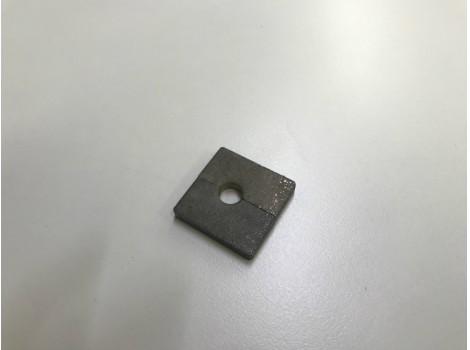 ハイマンガン鋼のプレス加工  板厚t4.5 リニア(抜き曲げ)