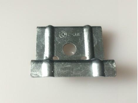 ハゼ折板用 ソーラーパネル取付金具用押え金具 端部用(モジュール厚み36㎜)