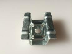 ハゼ折板用 ソーラーパネル取付金具用押え金具 中間部用(モジュール厚み36・40・46㎜共通)