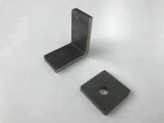 ハイマンガン鋼のプレス加工  板厚t4.5 リニアモーターカー(抜き曲げ)